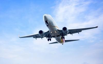 Transporte marítimo vs transporte aéreo. ¿Cuál elegir?
